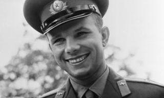 Gagarin2-717x1024