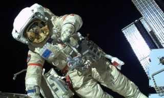 Spacewalk_Kotov