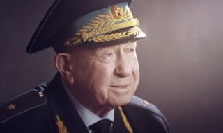 космонавт-Алексей-Леонов